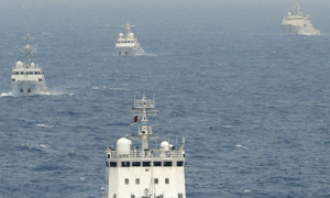 Chinese surveillance ships near the disputed Senkaku/Diaoyu islands in the East China Sea, April 2013 © Times Asi (CC BY 2.0)
