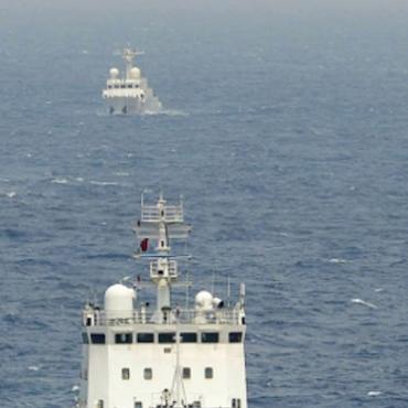 Chinese surveillance ships near the disputed Senkaku/Diaoyu islands in the East China Sea, April 2013 © Times Asi (CC BY 2.0)