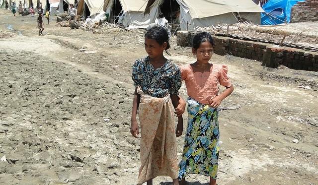 Rohingya refugee camp in Myebon in Rakhine State of Myanmar © Evangelos Petratos EU/ECHO, Myebon, June 2013 (CC BY-NC-ND 2.0)