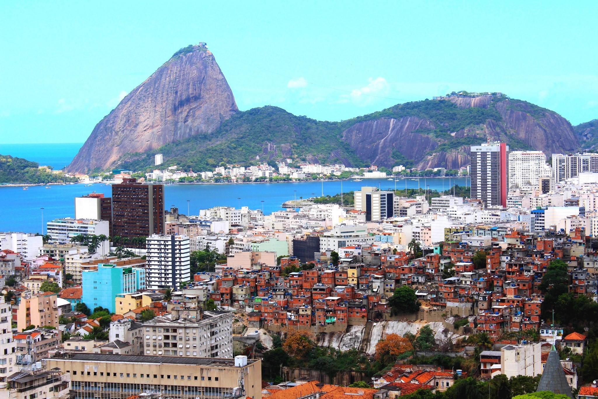 Rio de Janeiro downtown and Favéla/Sugarloaf/Pain de Sucre