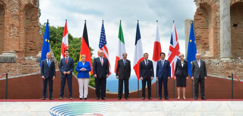 Family photo of G7 leaders and EU representatives. Photo: Italian G7 Presidency 2017 - G7 Summit on g7italy.it / Wikimedia Commons - CC BY 3.0 it, https://creativecommons.org/licenses/by/3.0/it/legalcode